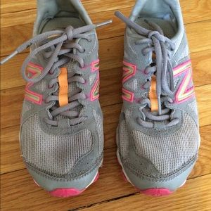 🎉Cute New Balance 7.5 women's athletic shoes
